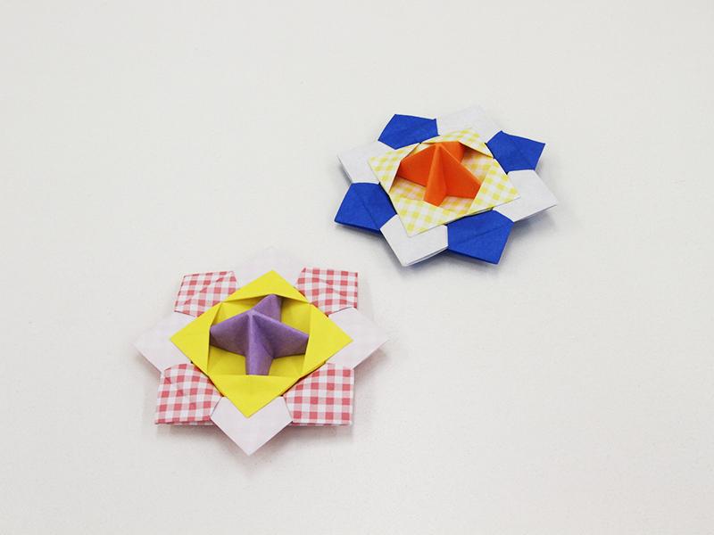 折り紙で作るこまでお正月遊び