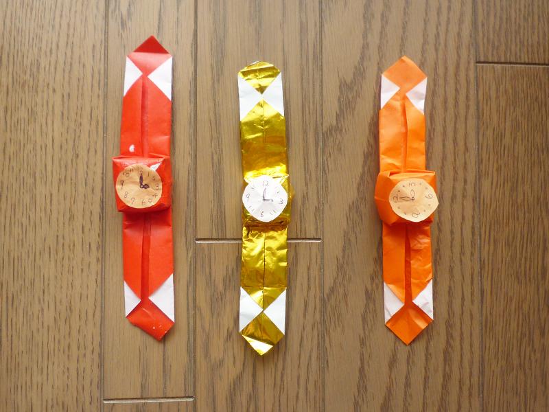 折り紙で作る腕時計