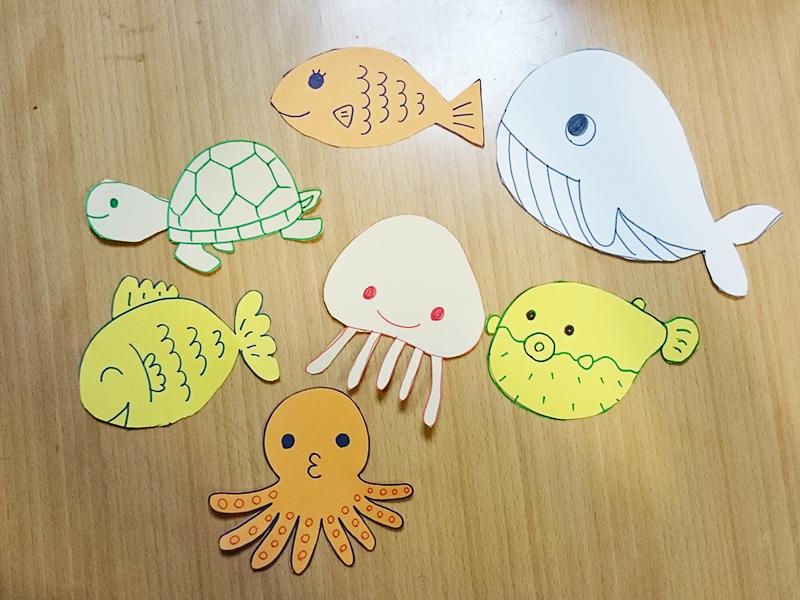 ラップ芯と画用紙で工作:さかなつり 魚の絵